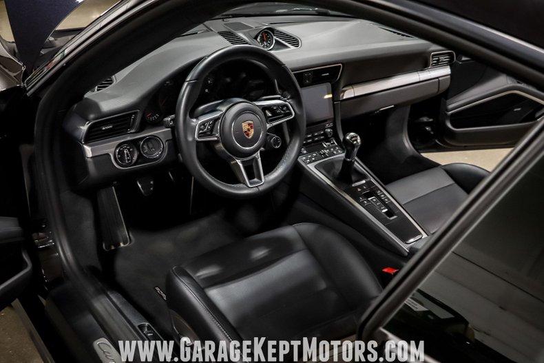 2017 Porsche 911 104
