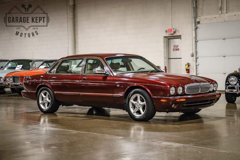 1999 Jaguar XJ8