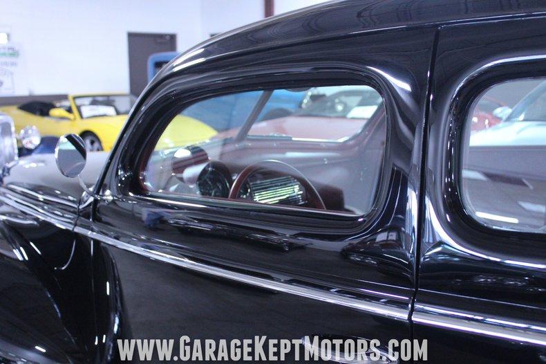 1940 Ford 2-Door Sedan 39