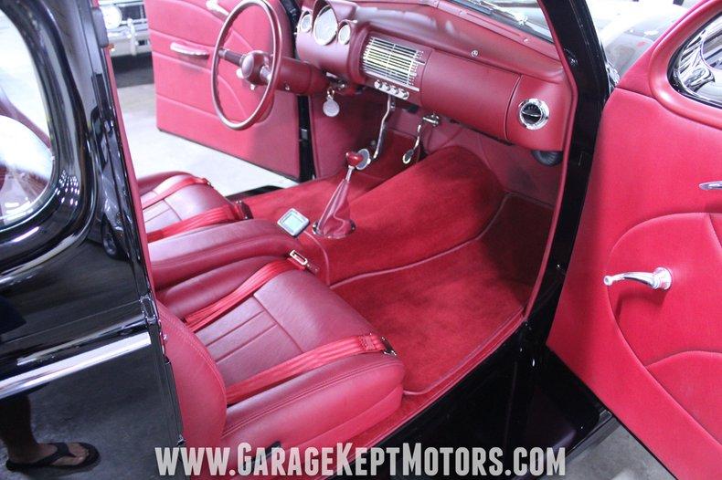 1940 Ford 2-Door Sedan 71