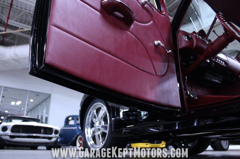 1940 Ford 2-Door Sedan 88