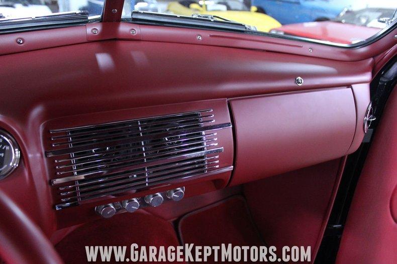 1940 Ford 2-Door Sedan 106