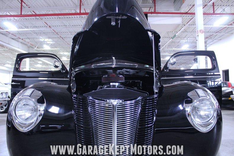 1940 Ford 2-Door Sedan 118