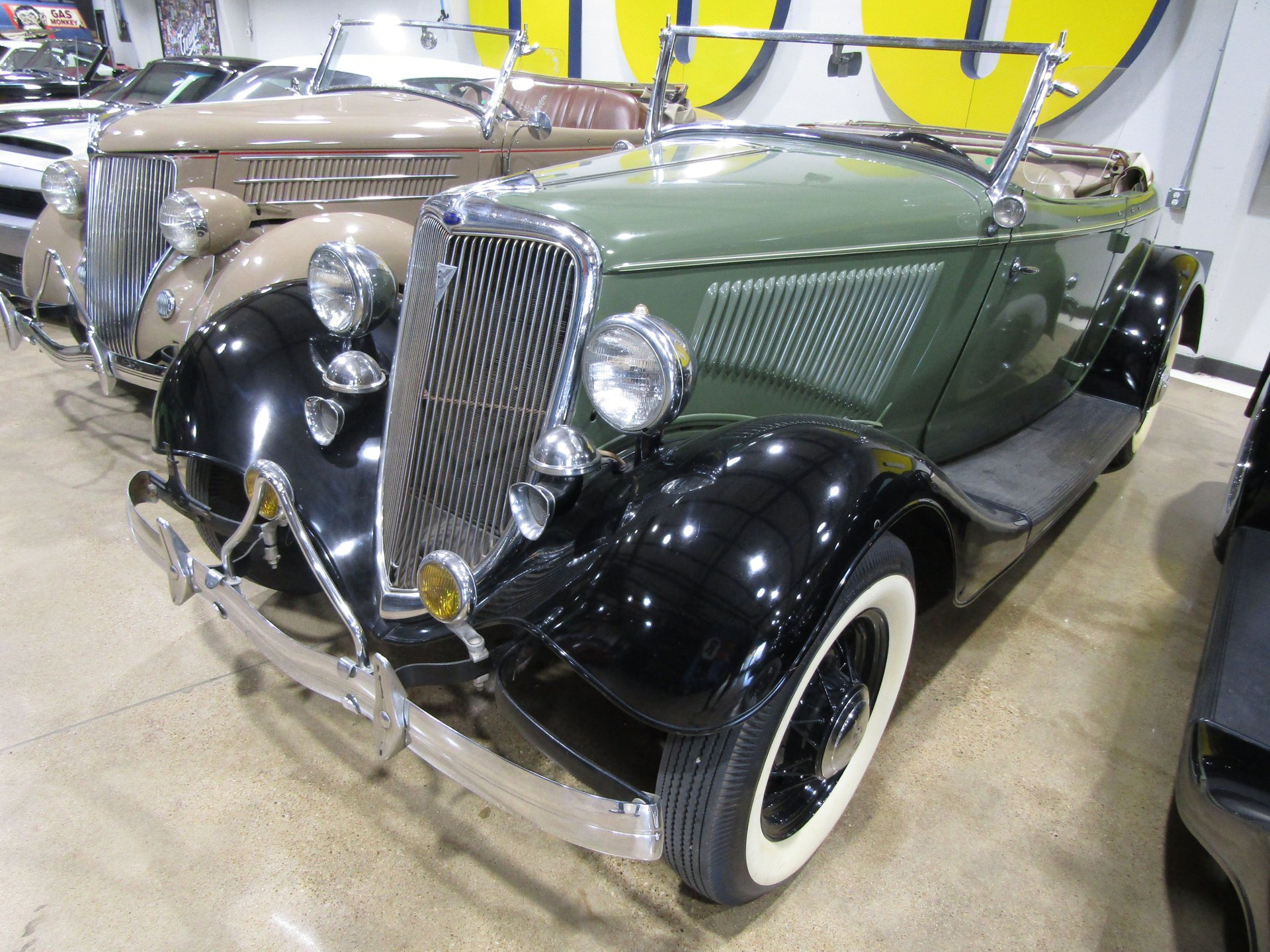1934 ford rumble seat roadster