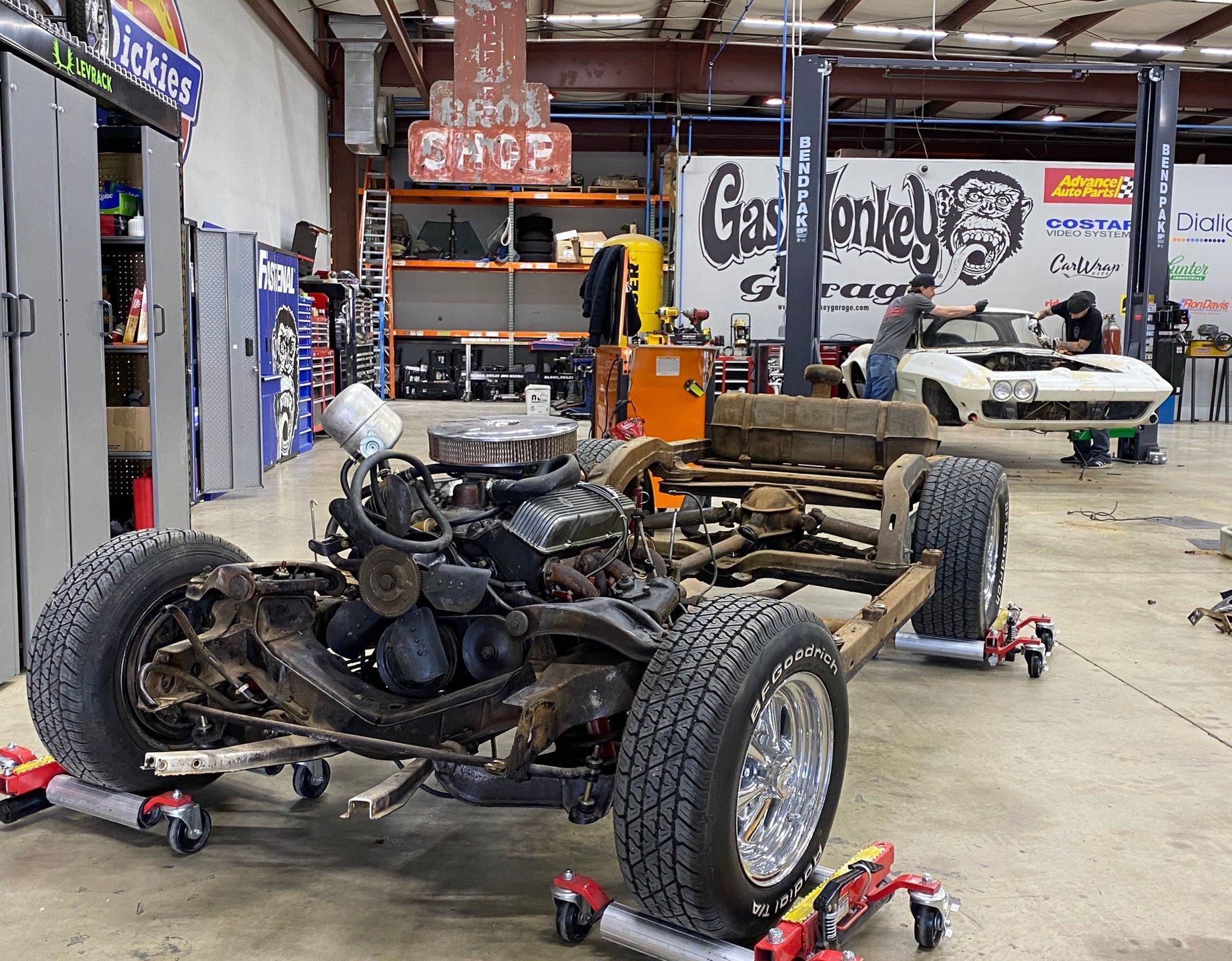 1963 chevrolet corvette rolling chassis