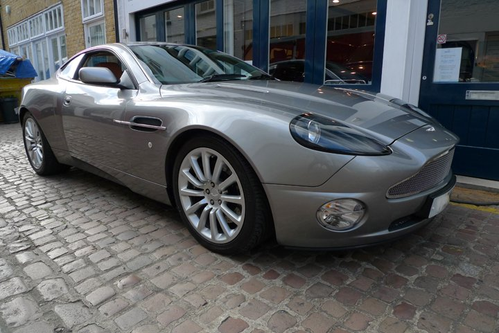 2002 aston martin quish
