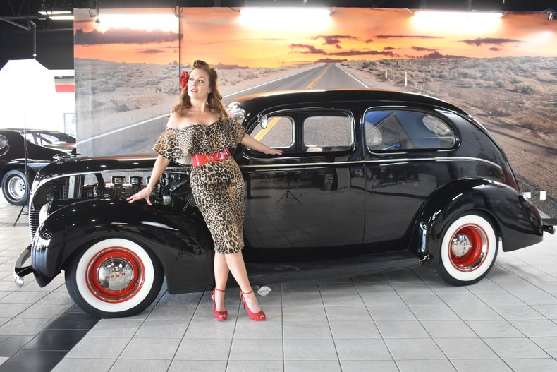 1938 Ford 2DR DELUXE
