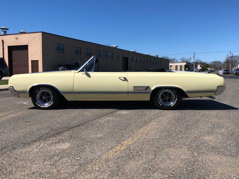 1965 Oldsmobile Cutlass | Hollywood Motors