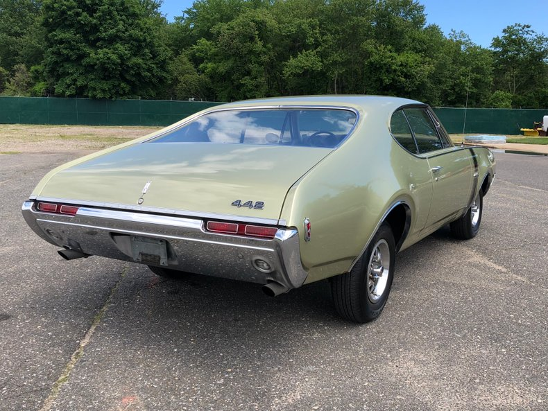 1968 Oldsmobile Cutlass 442 | Hollywood Motors