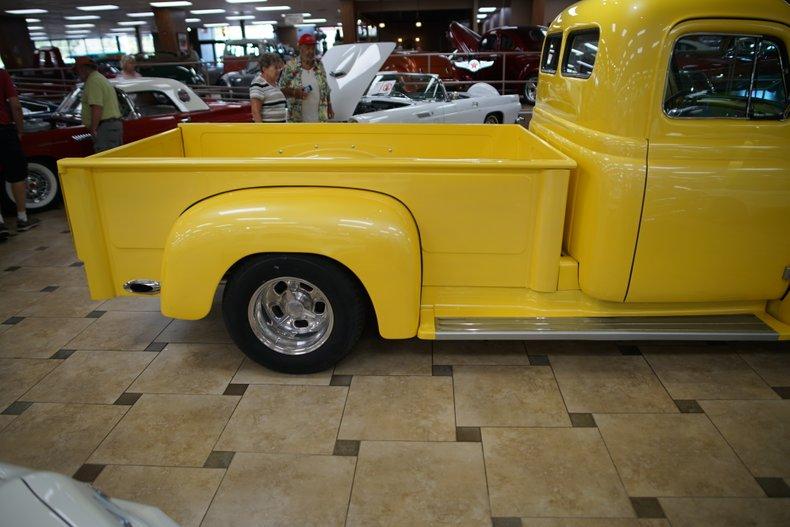 1953 international r110