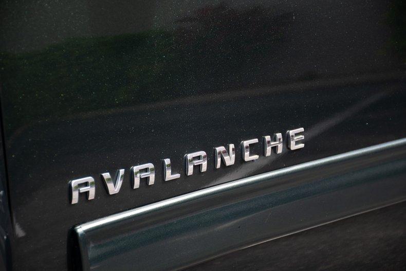2013 chevrolet avalanche black diamond