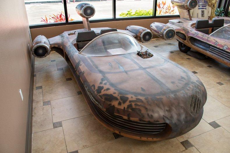 1977 z movie car landspeeder star wars display