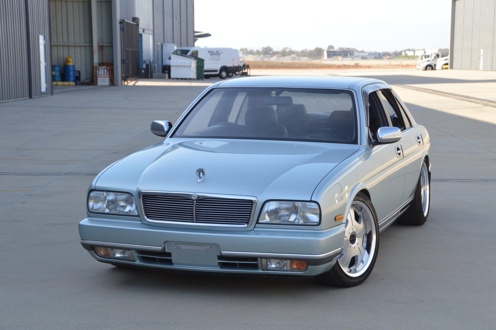 1993 Nissan Cima