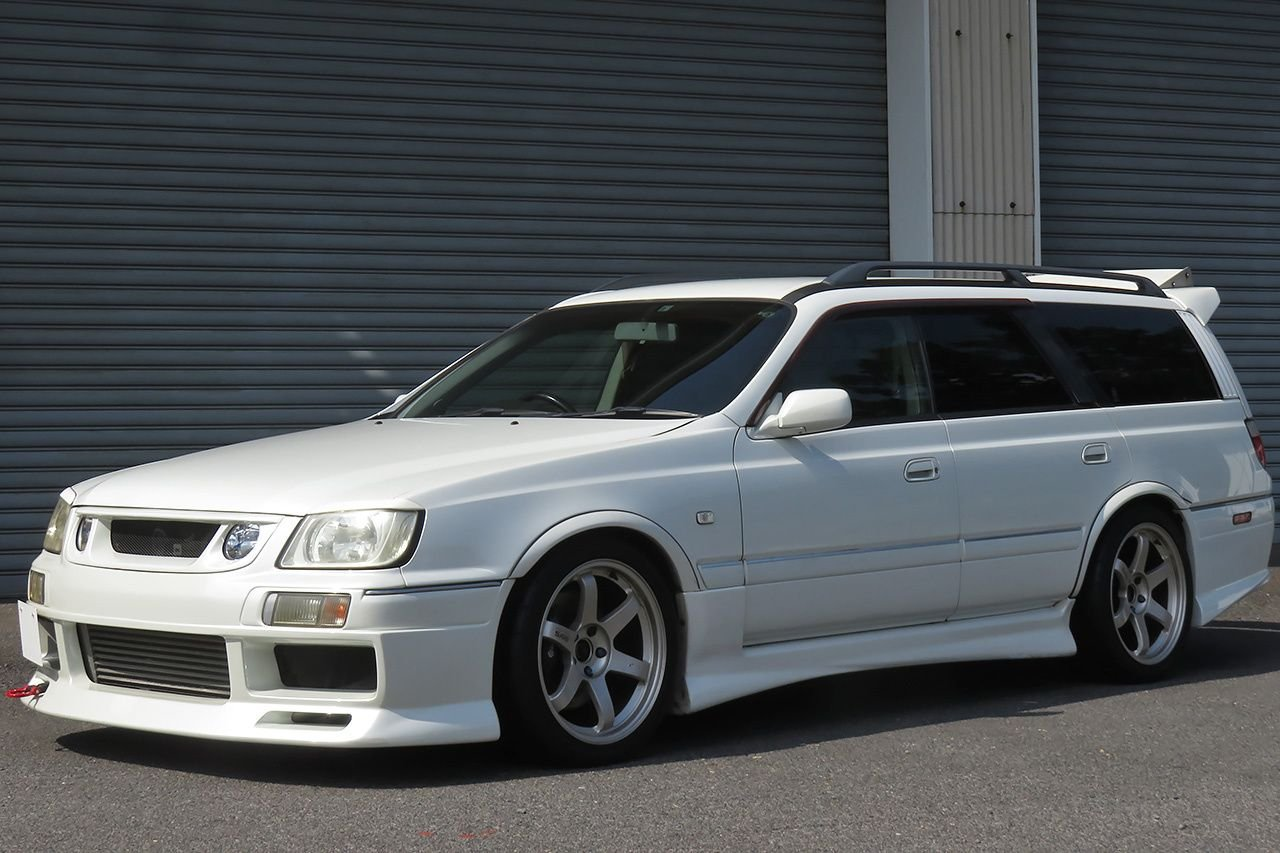 1999 Nissan Stagea