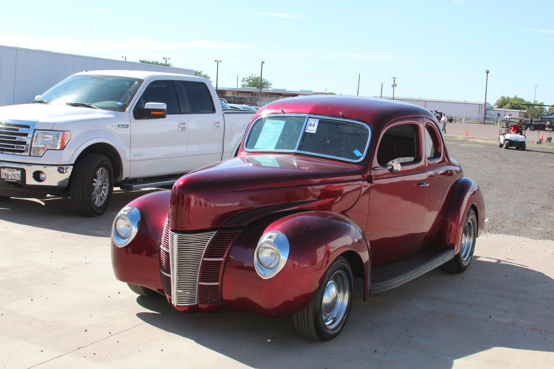 1940 ford custom steel bodied