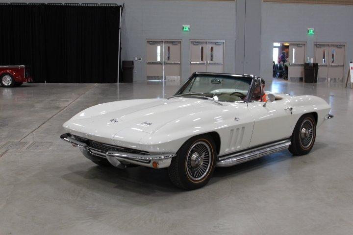 1966 chevrolet corvette sting ray