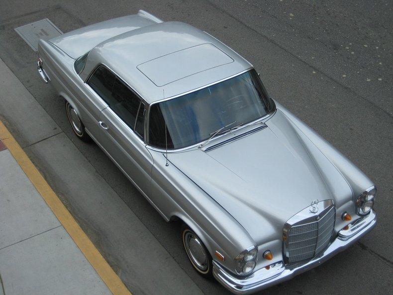 1969 Mercedes-Benz 280SE 1