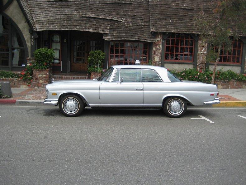 1969 Mercedes-Benz 280SE 4
