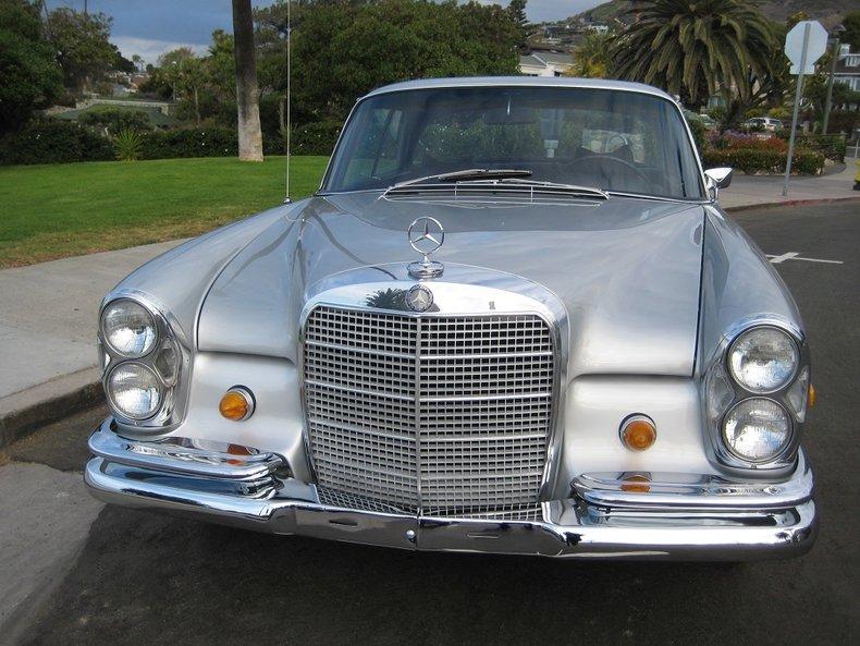 1969 Mercedes-Benz 280SE 9