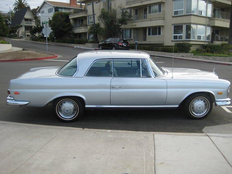 1969 Mercedes-Benz 280SE 10