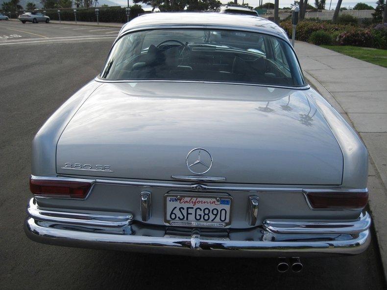 1969 Mercedes-Benz 280SE 11