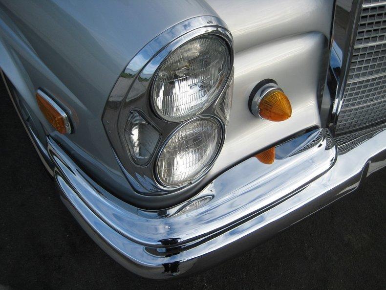 1969 Mercedes-Benz 280SE 17