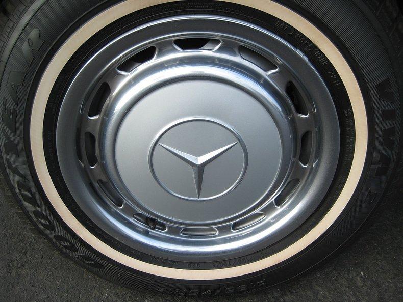 1969 Mercedes-Benz 280SE 19