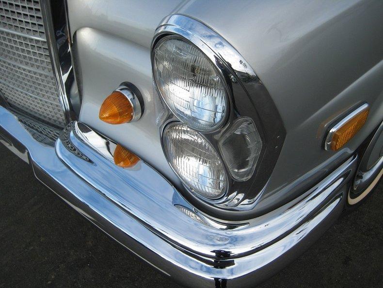 1969 Mercedes-Benz 280SE 16