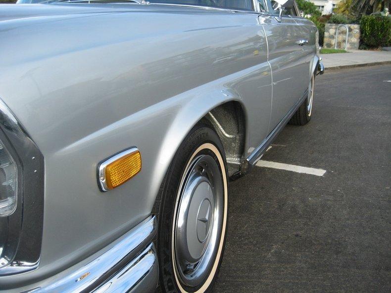 1969 Mercedes-Benz 280SE 22