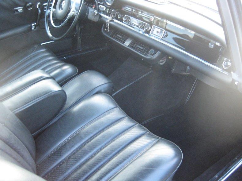 1969 Mercedes-Benz 280SE 27