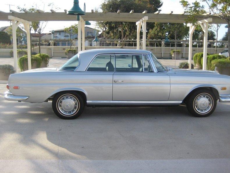 1969 Mercedes-Benz 280SE 42