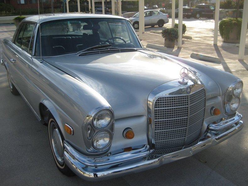 1969 Mercedes-Benz 280SE 39