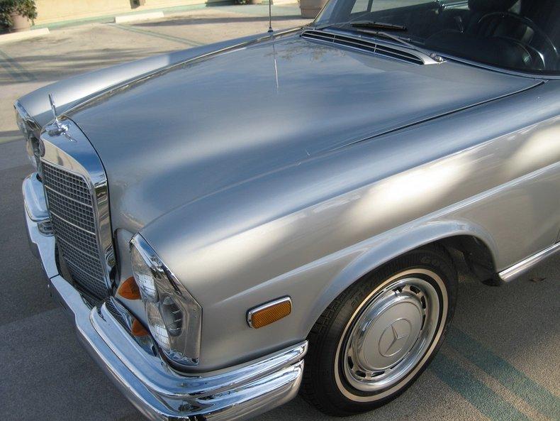 1969 Mercedes-Benz 280SE 43