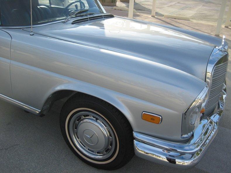 1969 Mercedes-Benz 280SE 40