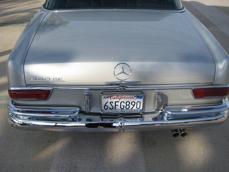 1969 Mercedes-Benz 280SE 48