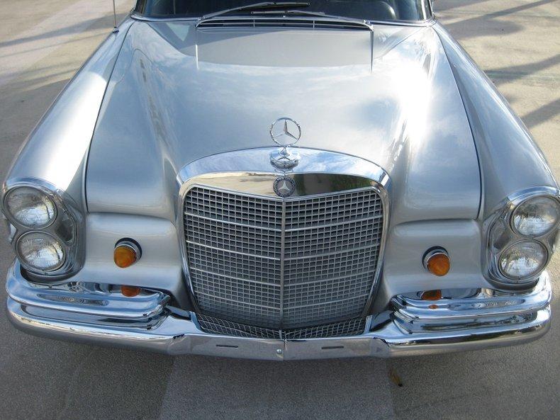 1969 Mercedes-Benz 280SE 46
