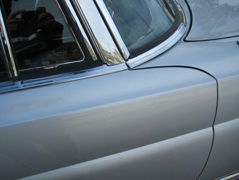 1969 Mercedes-Benz 280SE 52