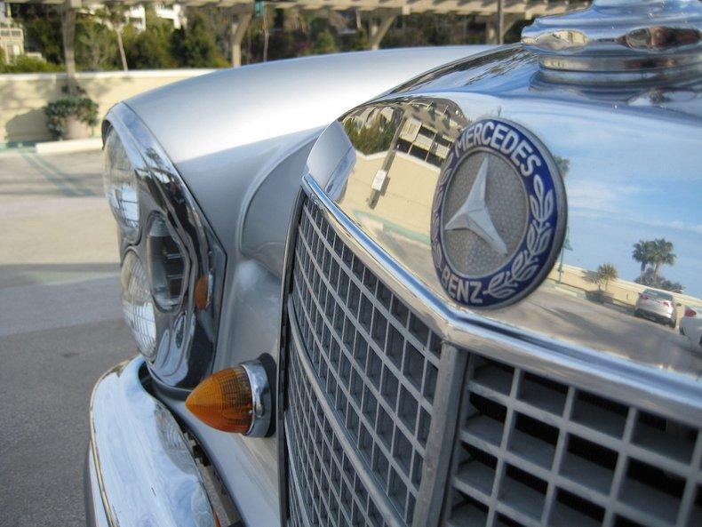 1969 Mercedes-Benz 280SE 60