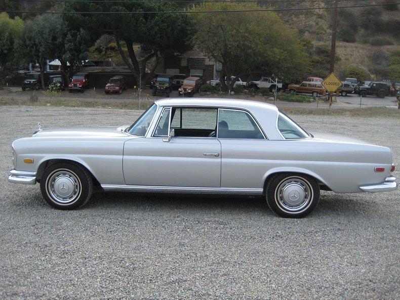 1969 Mercedes-Benz 280SE 66