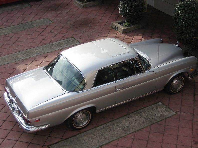 1969 Mercedes-Benz 280SE 76