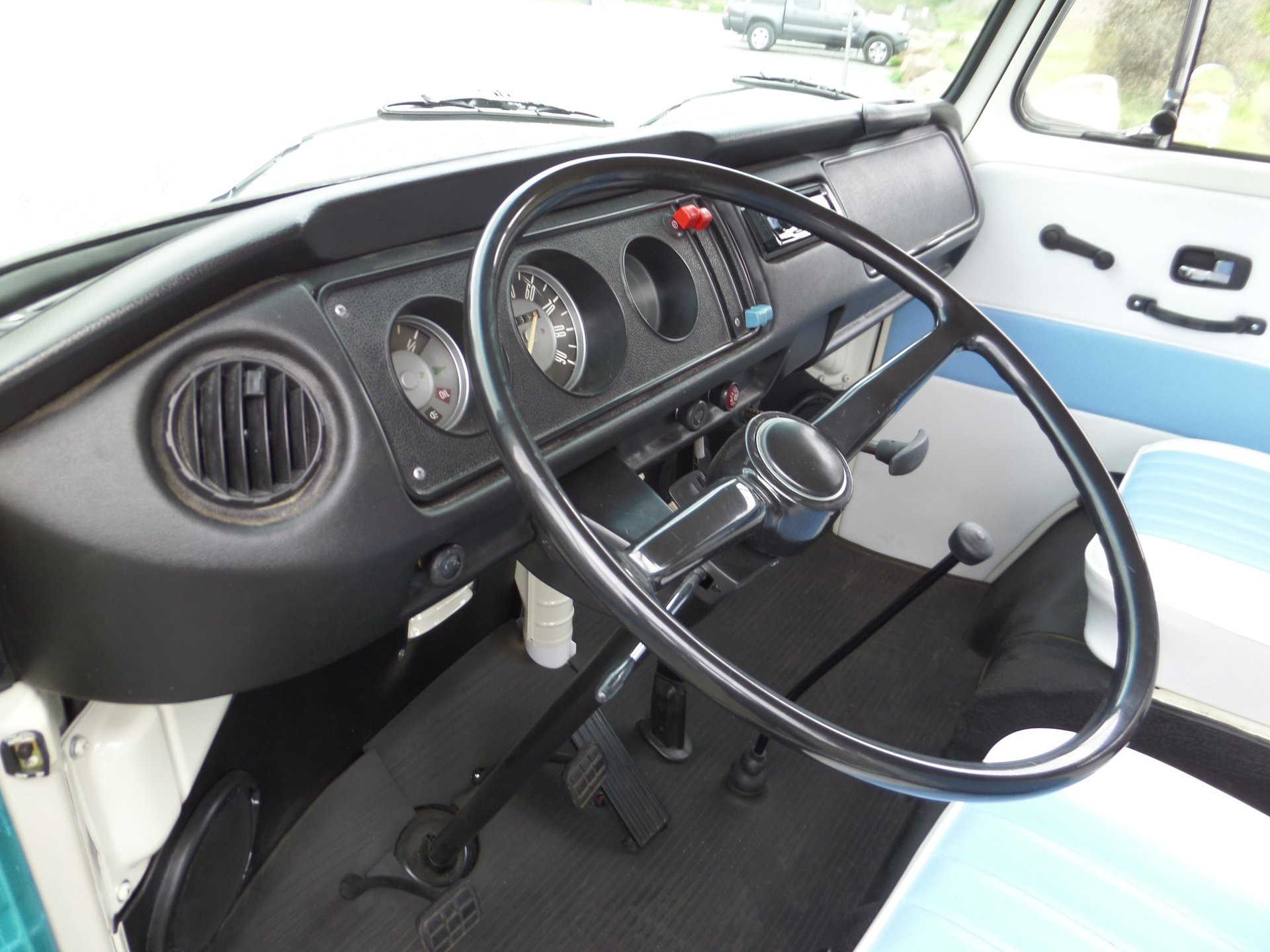 1970 Volkswagen Type 2 | Laguna Classic Cars & Automotive Art