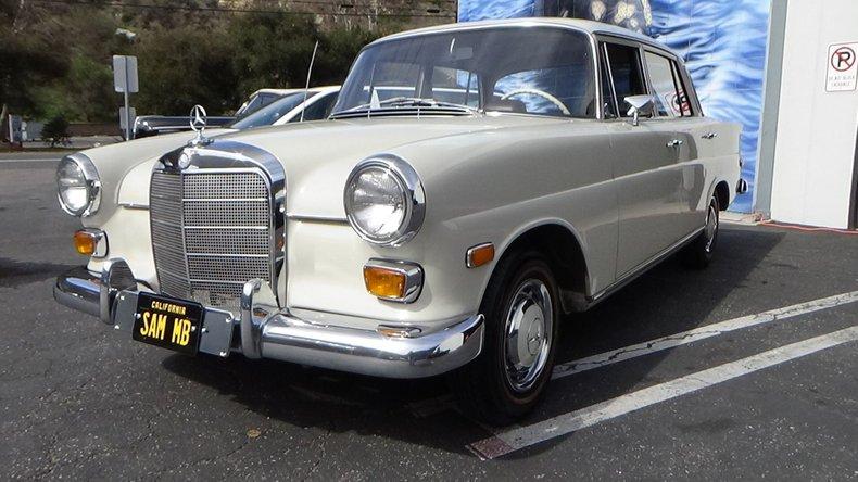 1968 Mercedes-Benz 200