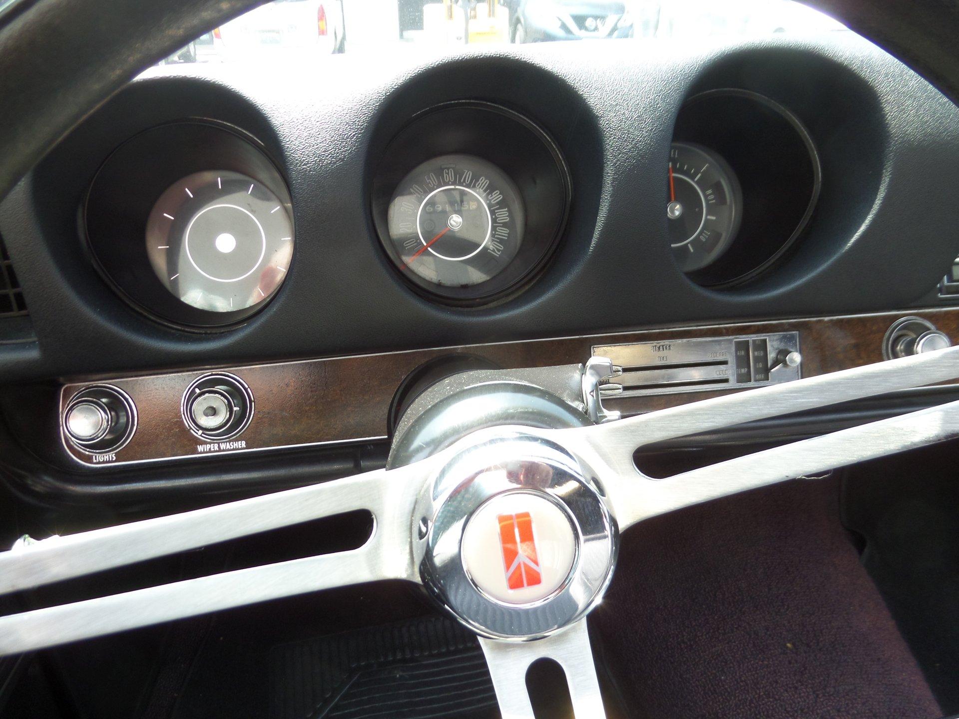 1969 Oldsmobile Cutlass | Laguna Classic Cars & Automotive Art