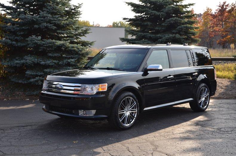 ford flex 2010 tire size