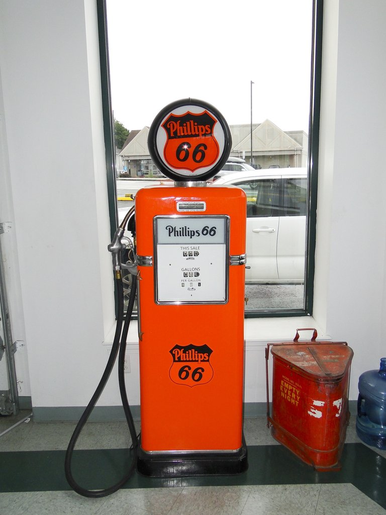 PHILLPS 66 GAS PUMP