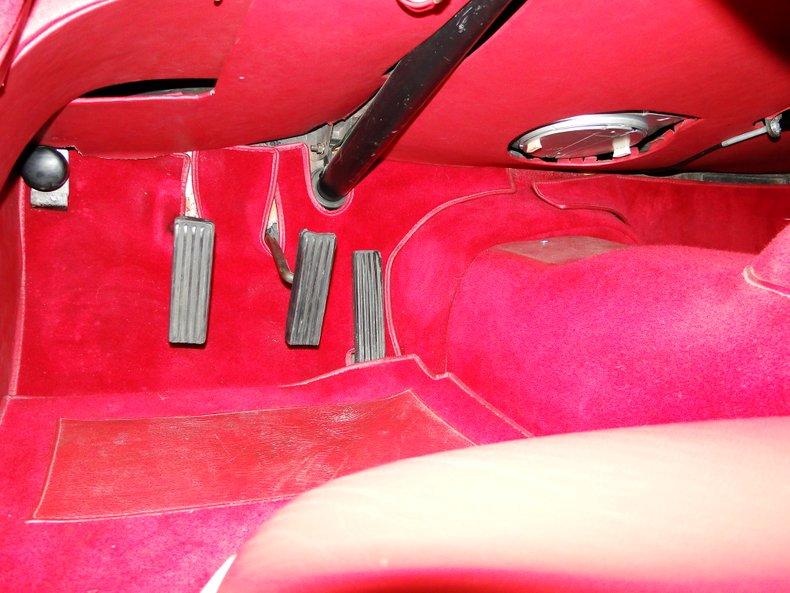1956 Jaguar XK140 33