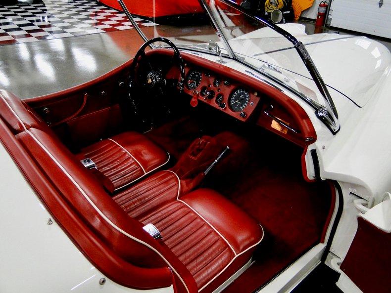 1956 Jaguar XK140 29