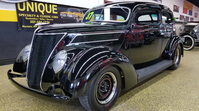 1937 Ford SEDAN SLANTBACK