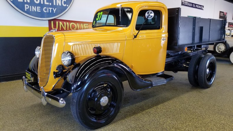 1937 Ford 2 ton Truck with Dump