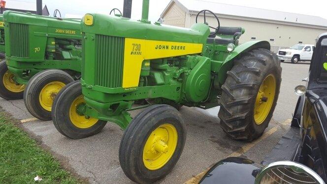 1959 John Deere JD730